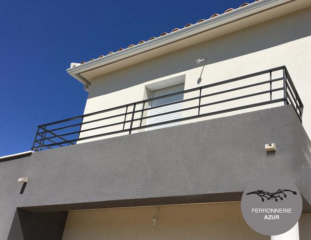 Garde corps en inox pour le balcon d'un appartement à Bandol occasion