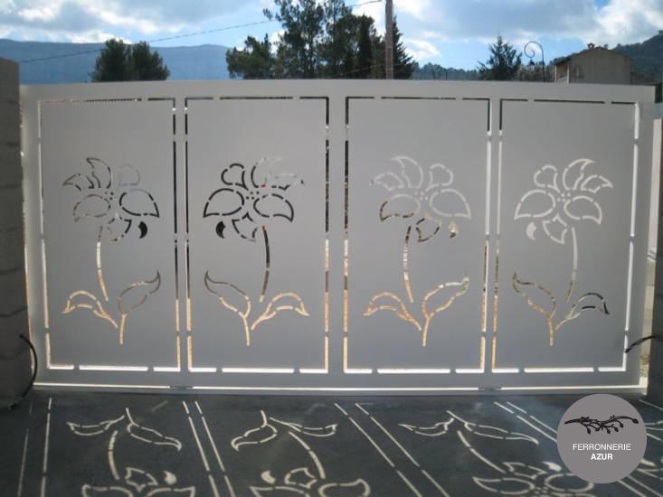 Fabrication d'un portail coulissant en aluminium à Saint Tropez occasion