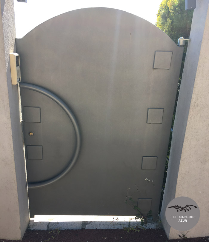 Fabrication d'un portillon design à Saint Tropez sur la Côte d'Azur occasion