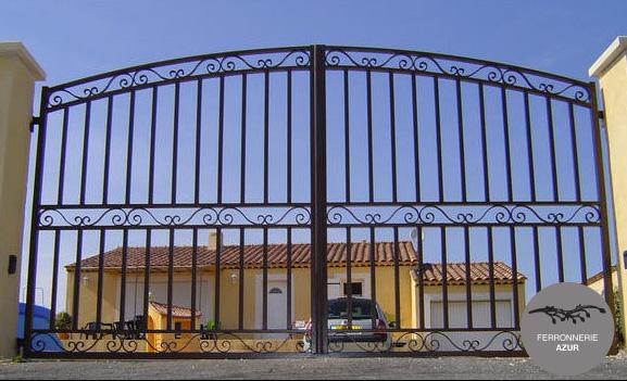Fabrication d'un portail en fer plein sur mesure à Saint Tropez occasion