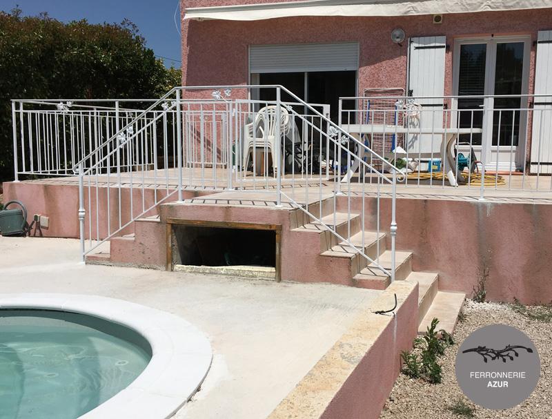 Fabrication d'un garde corps pour une terrasse à Toulon occasion