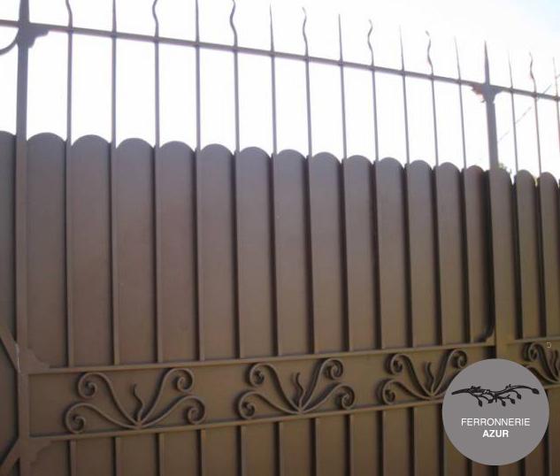 Fabrication d'un portail coulissant en fer à Sixfours Les Plages occasion