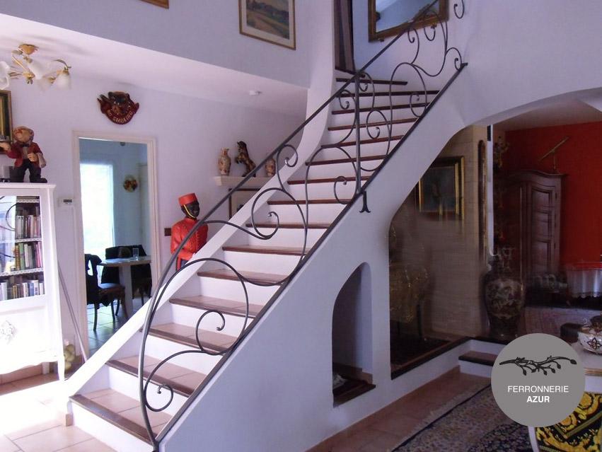 Fabrication d'une rampe d'escalier en fer forgé à Saint Tropez occasion