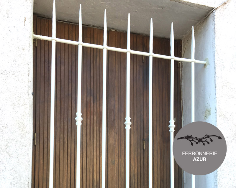 Grille de fenêtre antivol en fer à Saint Tropez occasion