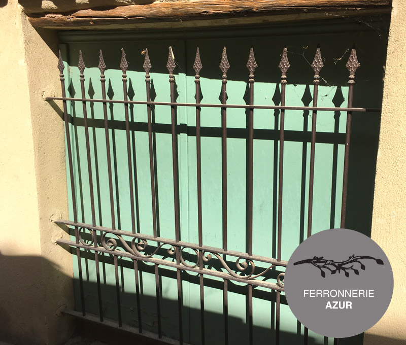 Grille de sécurité en fer sur mesure pour fenêtre à Grasse occasion