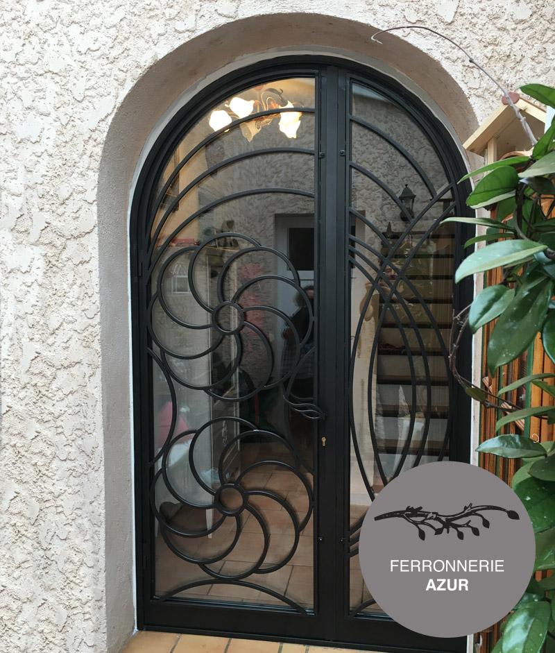 Porte cintrée en fer forgé et verre pour entrée de maison Nice 06 occasion