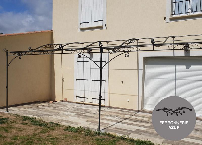Pergola en fer forgé volutes à l'ancienne à Cannes 06 occasion