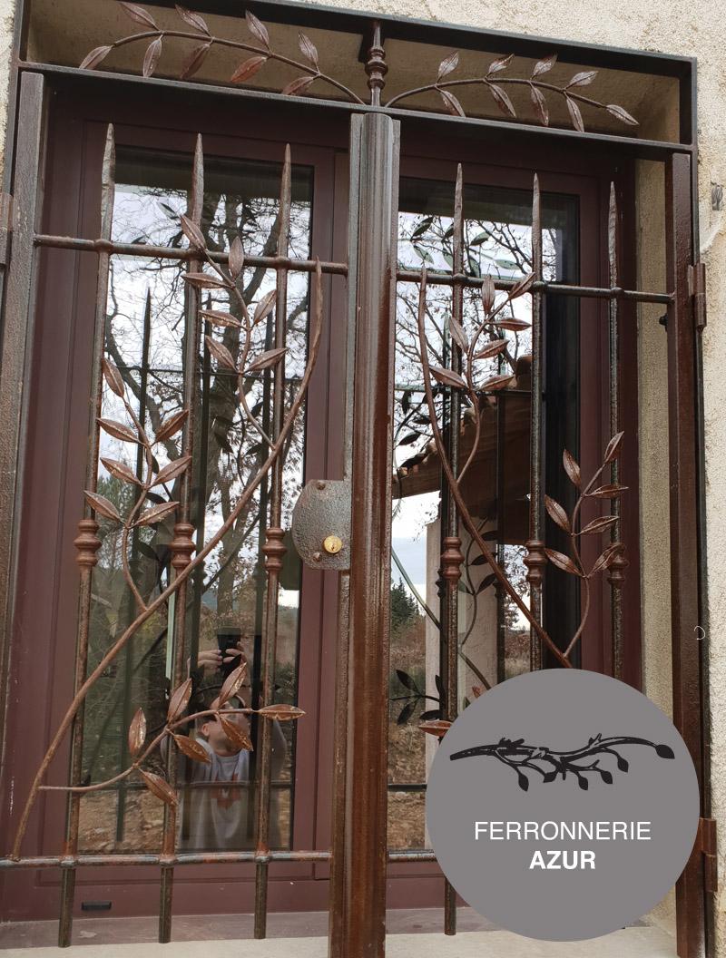 Grille ouvrante en fer forgé pour fenêtre à Menton 06 occasion