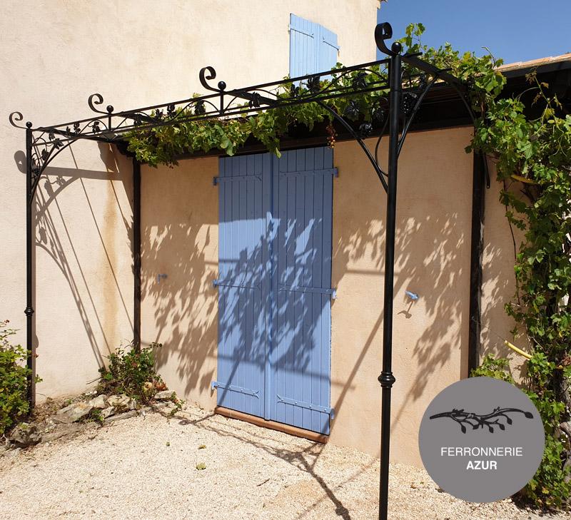 Pergola style provençal en fer forgé décor vignes Cannes 06 occasion