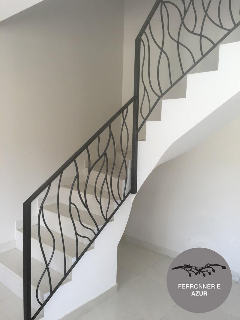 Rampe en métal pour escalier style moderne à Nice 06 Paca occasion