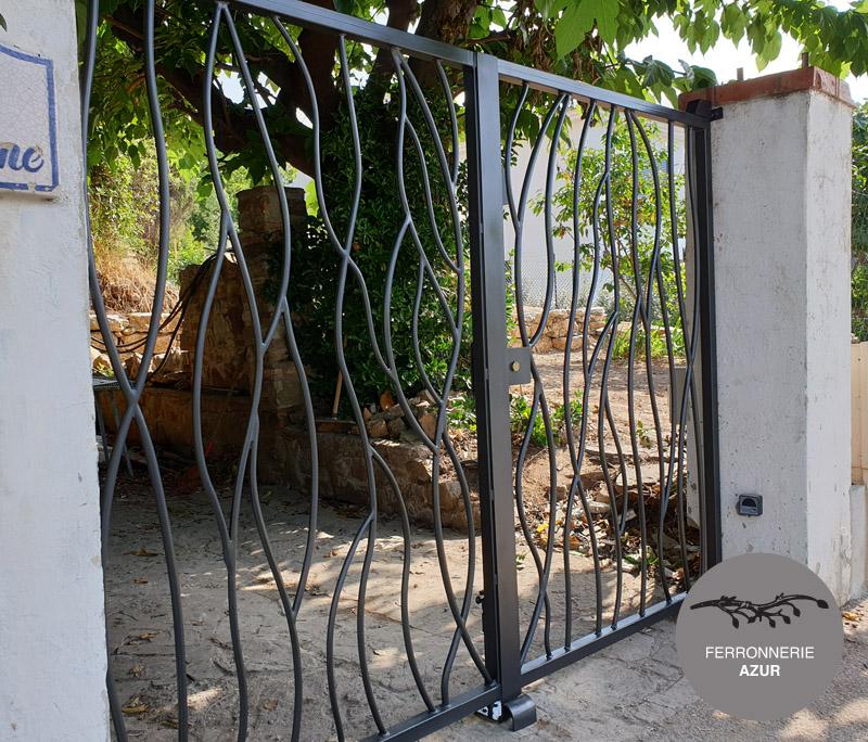Portail électrique en métal art deco à Grasse 06 occasion