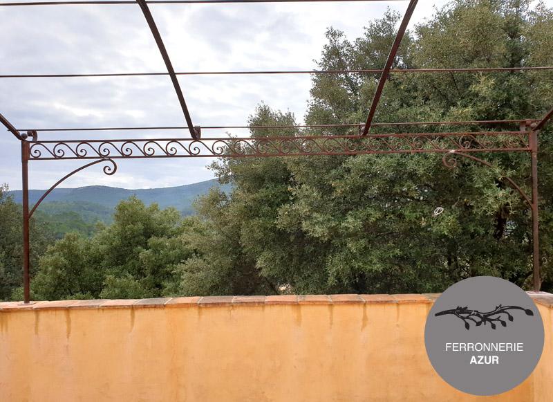 Fabrication d'une pergola cintrée en arrondi à Menton 06 occasion