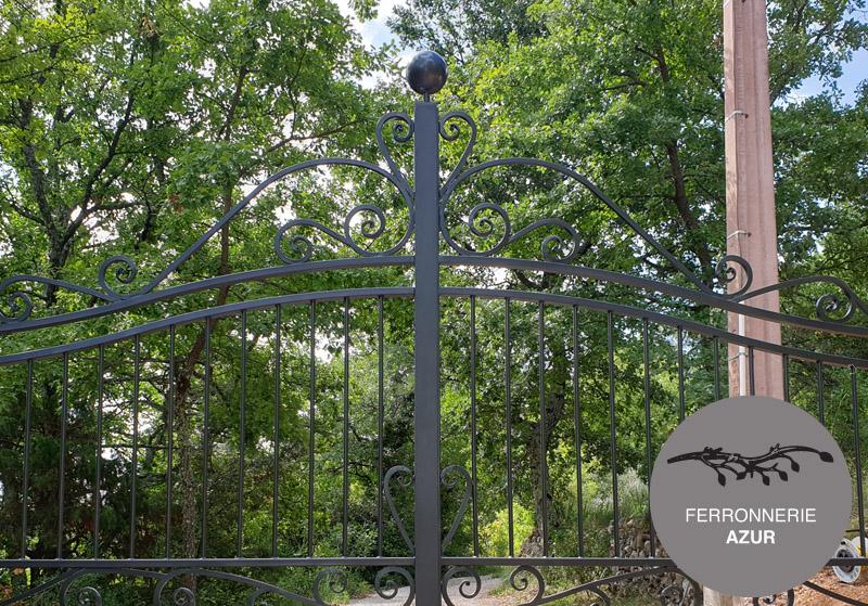 Portail en fer forgé traditionnel de ferronnerie à Biot 06 occasion